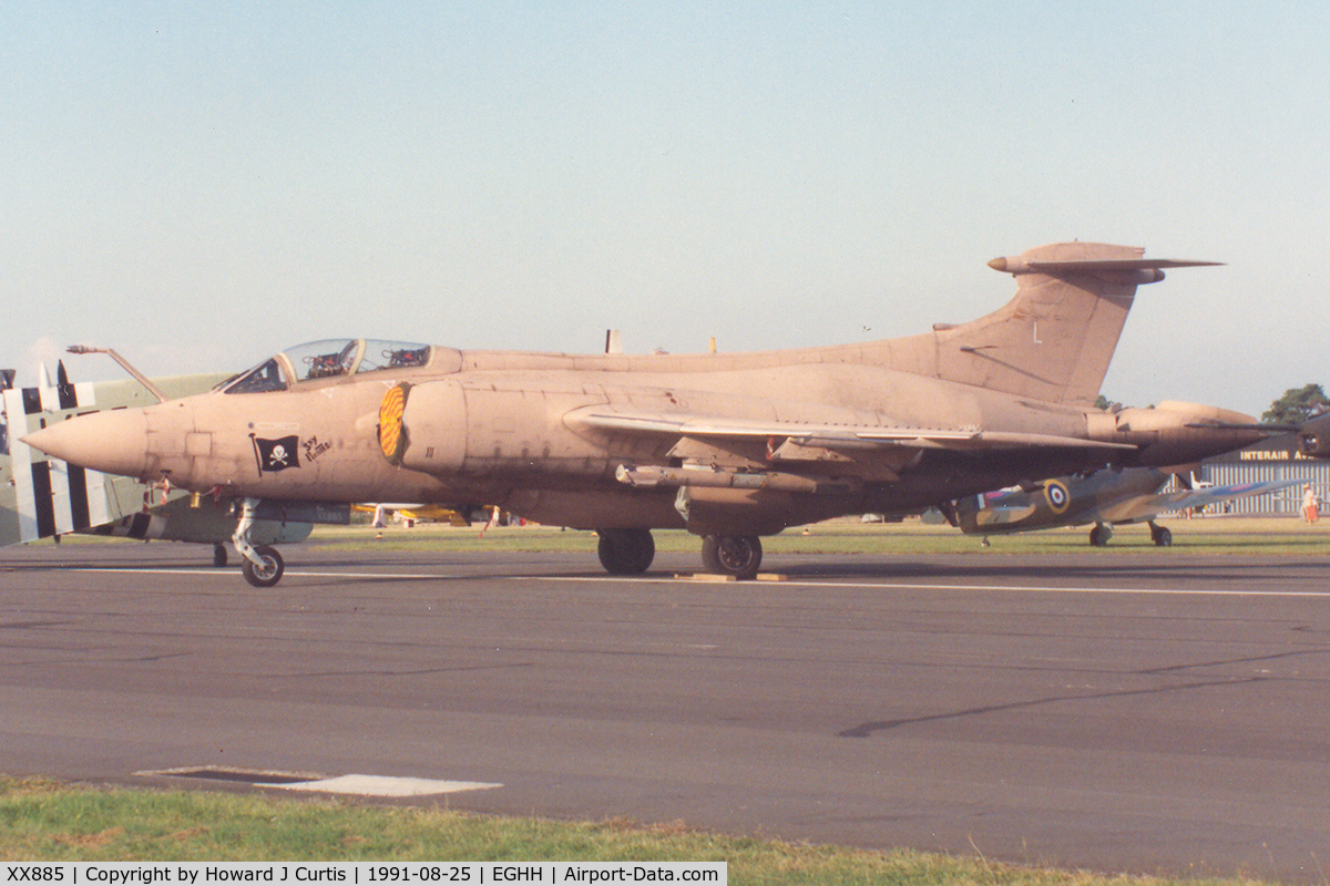 XX885, 1974 Hawker Siddeley Buccaneer S.2B C/N B3-01-73, Cod L, 'Sky Pirates' markings on nose. At the air show.