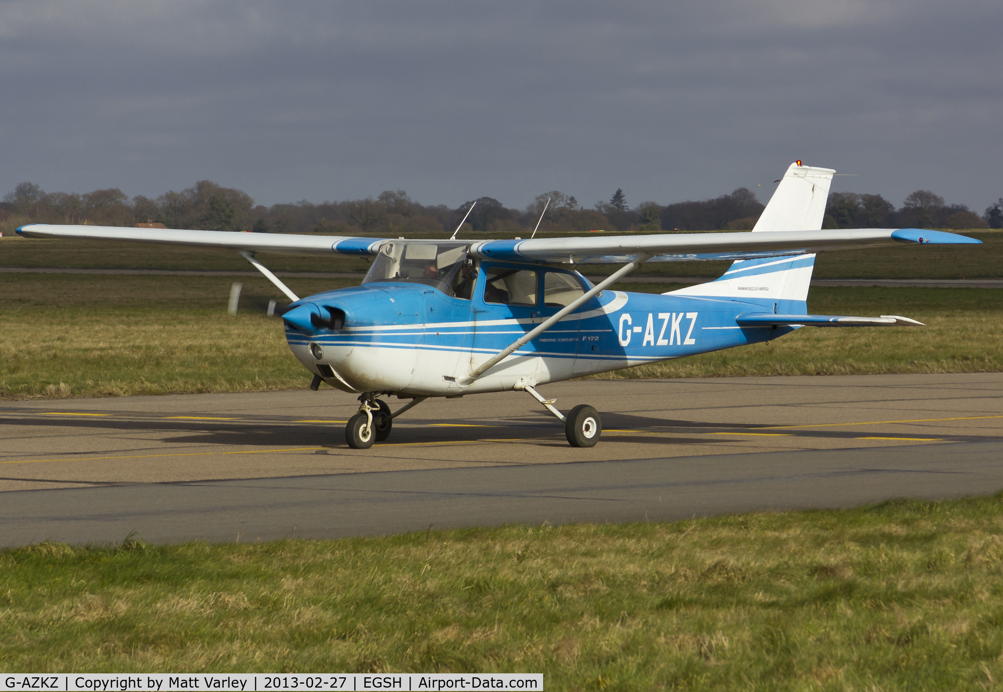 G-AZKZ, 1972 Reims F172L Skyhawk C/N 0814, Arriving at SaxonAir.
