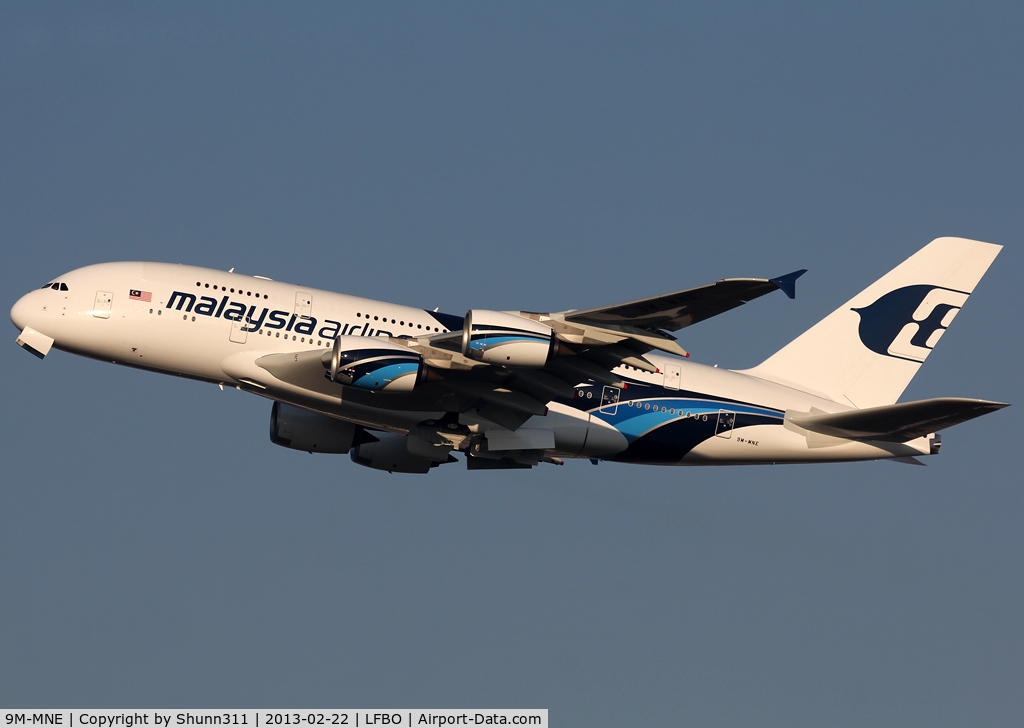 9M-MNE, 2012 Airbus A380-841 C/N 094, Delivery day...