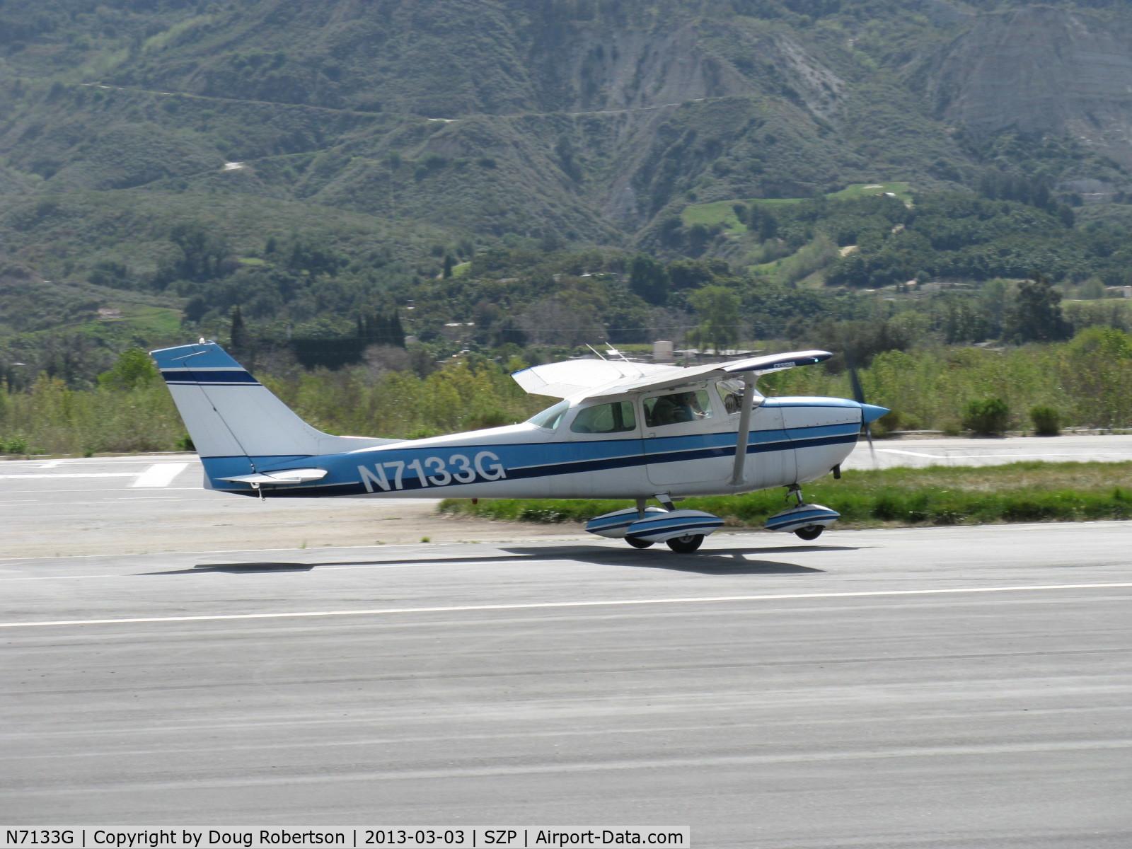N7133G, 1969 Cessna 172K Skyhawk C/N 17258833, 1969 Cessna 172K, Lycoming O-320-E2D 150 Hp, takeoff roll Rwy 22