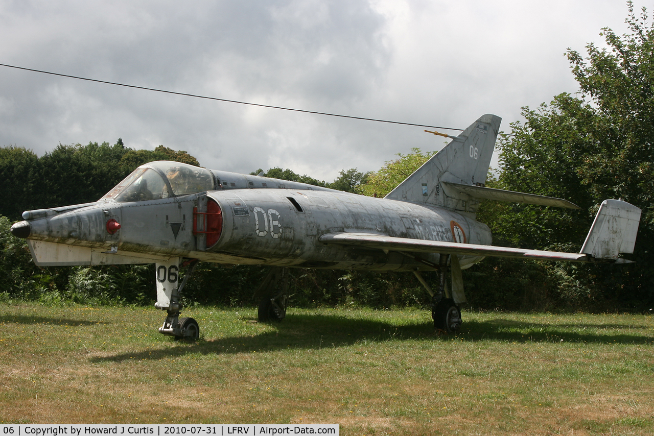 06, Dassault Etendard IV.M C/N 06, Preserved with the Ailes Anciennes Armorique.