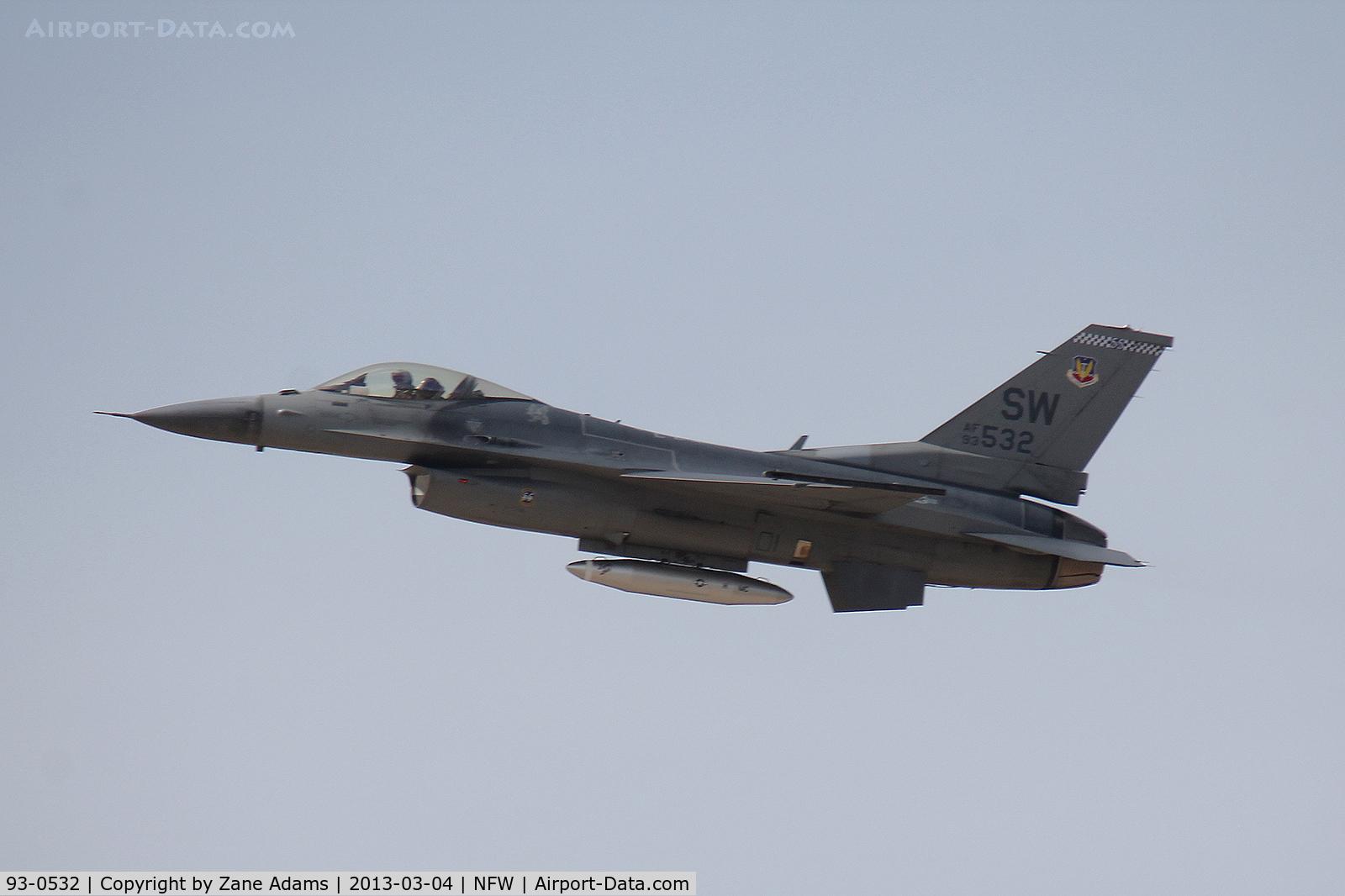 93-0532, 1993 Lockheed F-16C Fighting Falcon C/N CC-167, USAF F-16 departing NAS Fort Worth