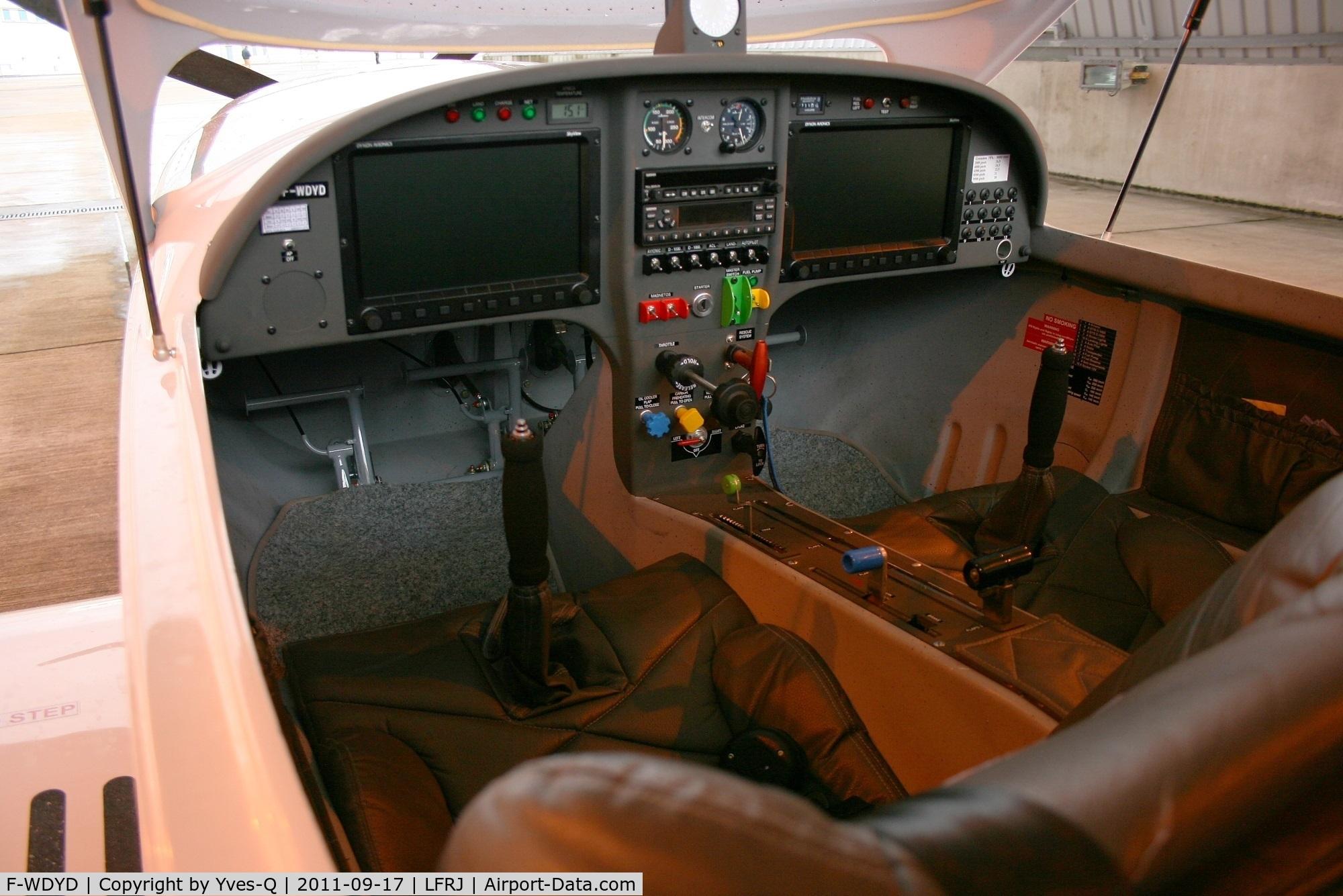 F-WDYD, 2000 Aerospool WT-9 Dynamic C/N DY377/2000, Aerospool Dynamic WT9 Dynamic, Landivisiau Naval Air Base (LFRJ) Heritage day 2011