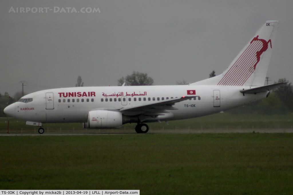 TS-IOK, 1999 Boeing 737-6H3 C/N 29496, Take off