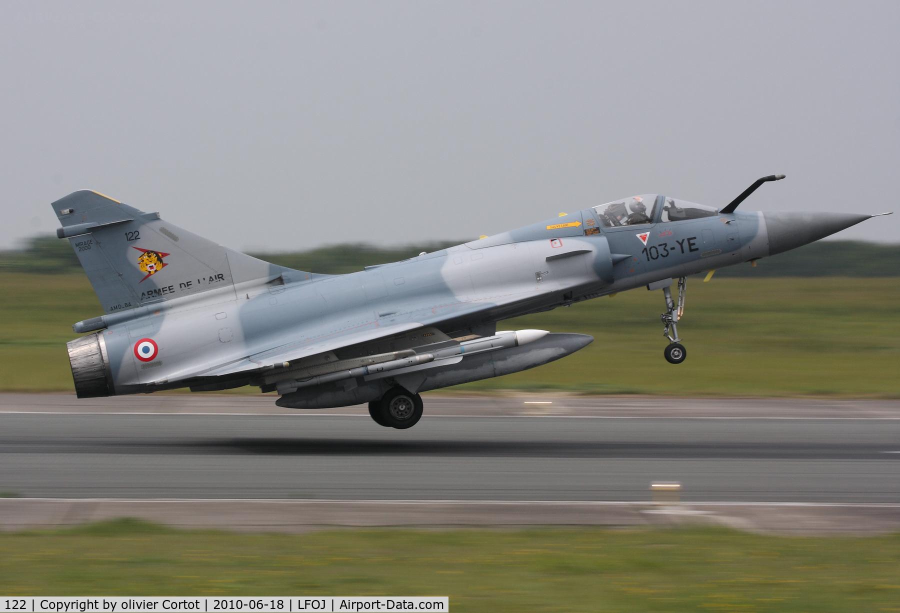 122, Dassault Mirage 2000C C/N 405, Landing at Orleans AB