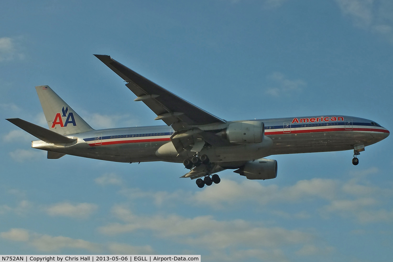 N752AN, 2001 Boeing 777-223 C/N 30260, American Airlines
