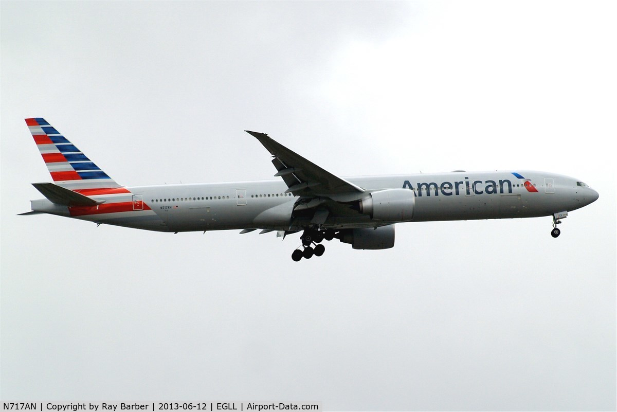 N717AN, 2012 Boeing 777-323/ER C/N 31543, Boeing 777-323ER [31543] (American Airlines) Home~G 12/06/2013. On approach 27L.