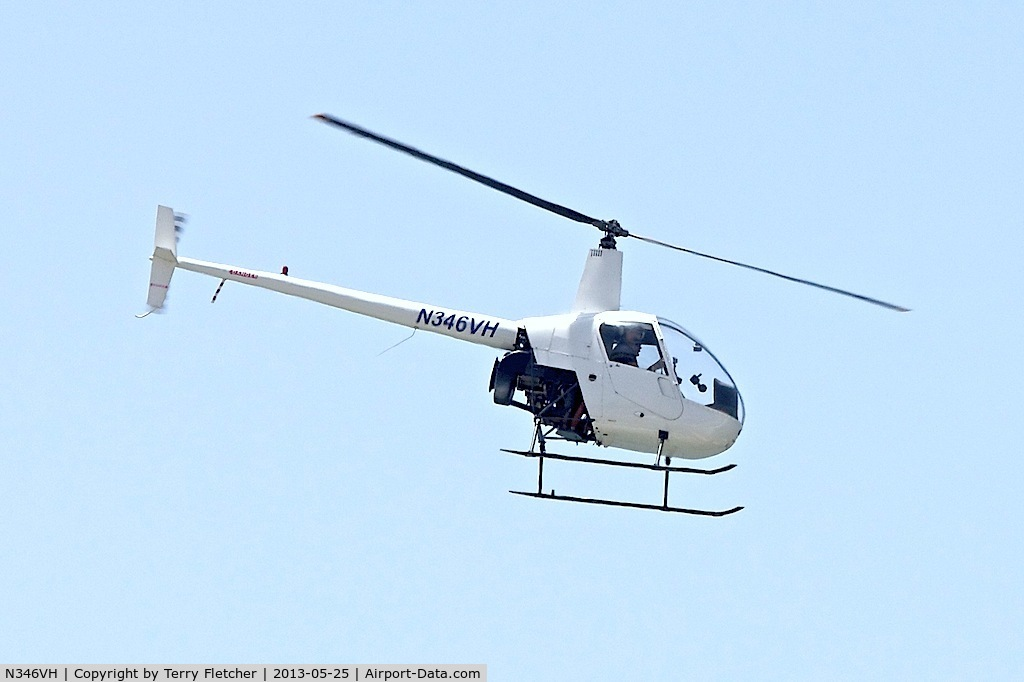 N346VH, 1993 Robinson R22 BETA C/N 2261, Down the Venice Beach shoreline