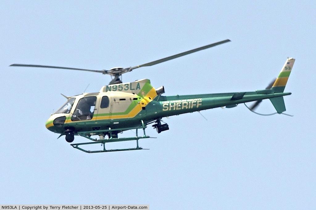 N953LA, Eurocopter AS-350B-2 Ecureuil C/N 4990, Down the shoreline at Venice Beach