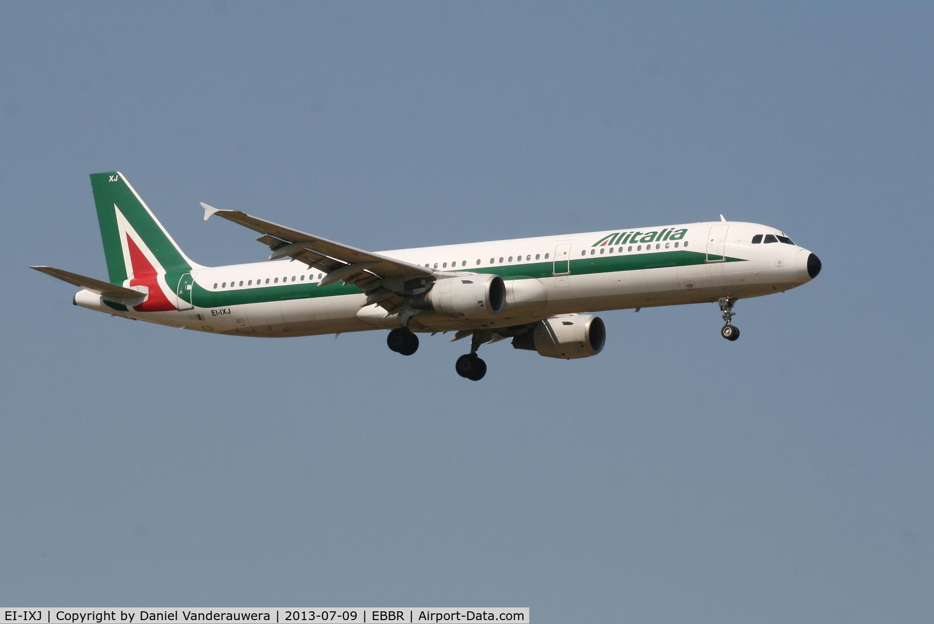 EI-IXJ, 1999 Airbus A321-112 C/N 959, Arrival of flight AZ156 to RWY 02