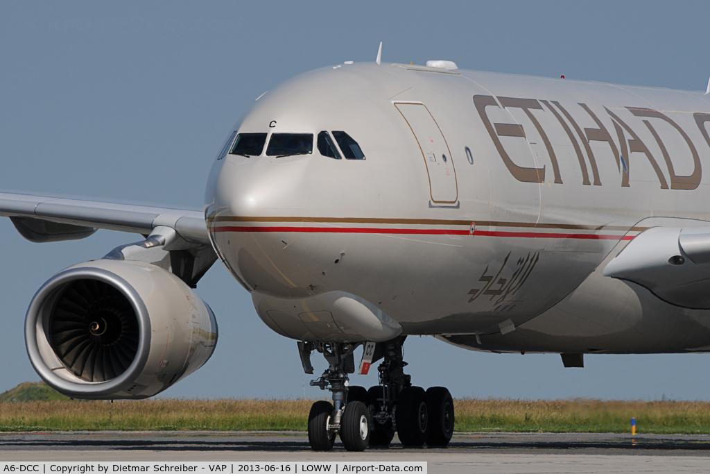 A6-DCC, 2013 Airbus A330-243F C/N 1414, Etihad Airbus 330-200