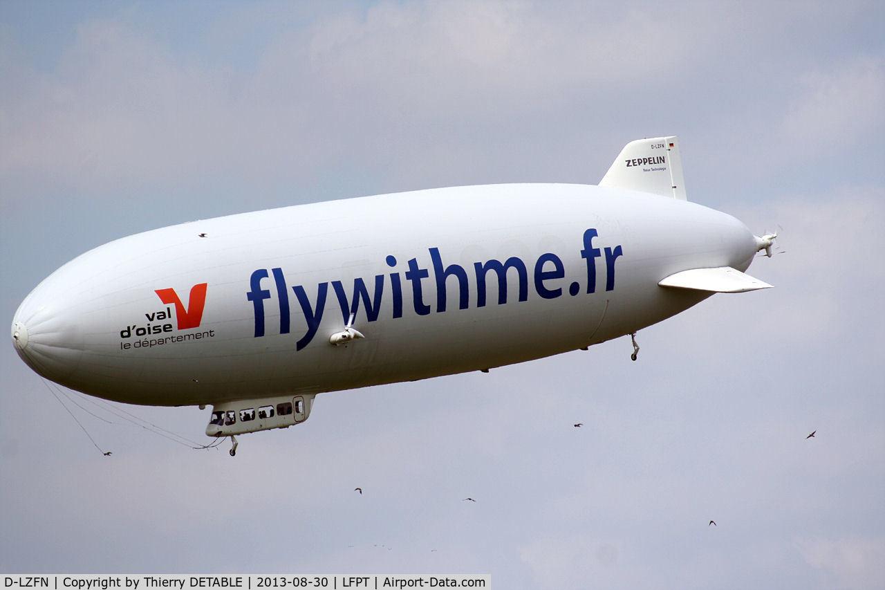 D-LZFN, 1997 Zeppelin LZ N07-100 Airship C/N 001, Airship Paris, View, 5 meters high
