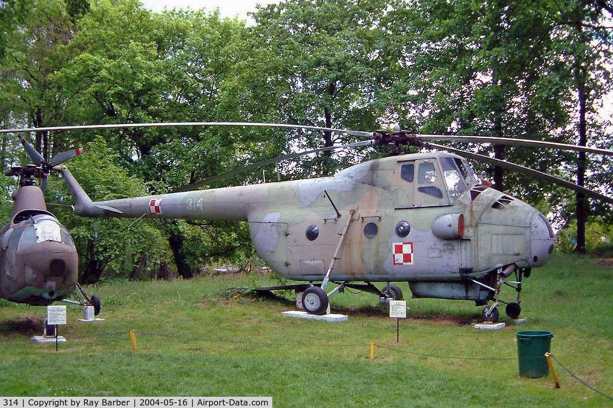 314, Mil Mi-4A Hound C/N 03141, Mil Mi-4A Hound [03141] Drzonow-Lubuskie~SP 16/05/2004