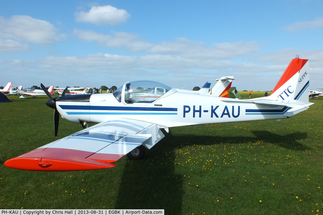 PH-KAU, 1987 Slingsby T-67M-200 Firefly C/N 2040, at the LAA Rally 2013, Sywell