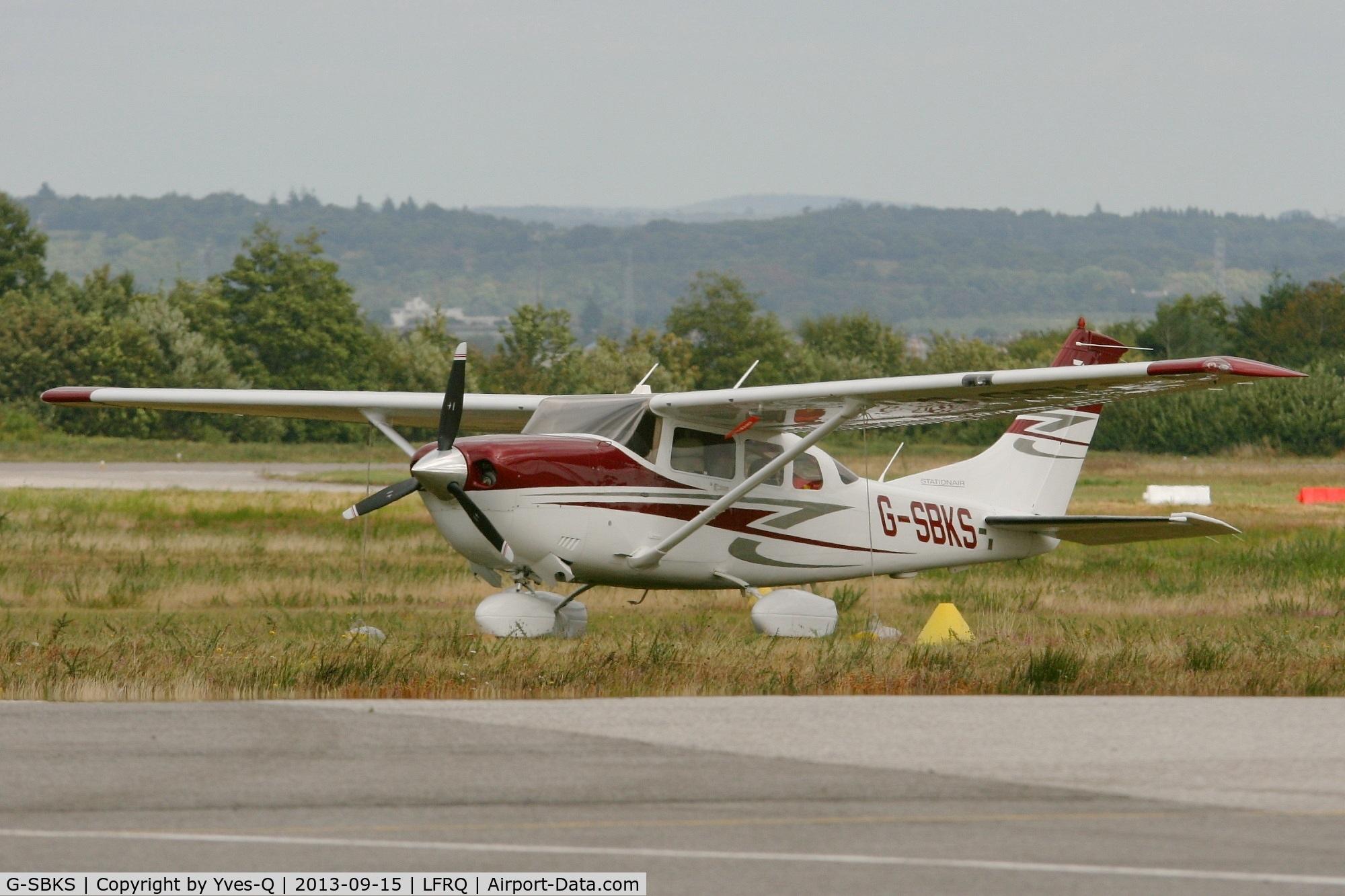 G-SBKS, 2007 Cessna 206H Stationair C/N 206-08290, Cessna 206H Stationair, Quimper-Cornouaille Airport (LFRQ-UIP)