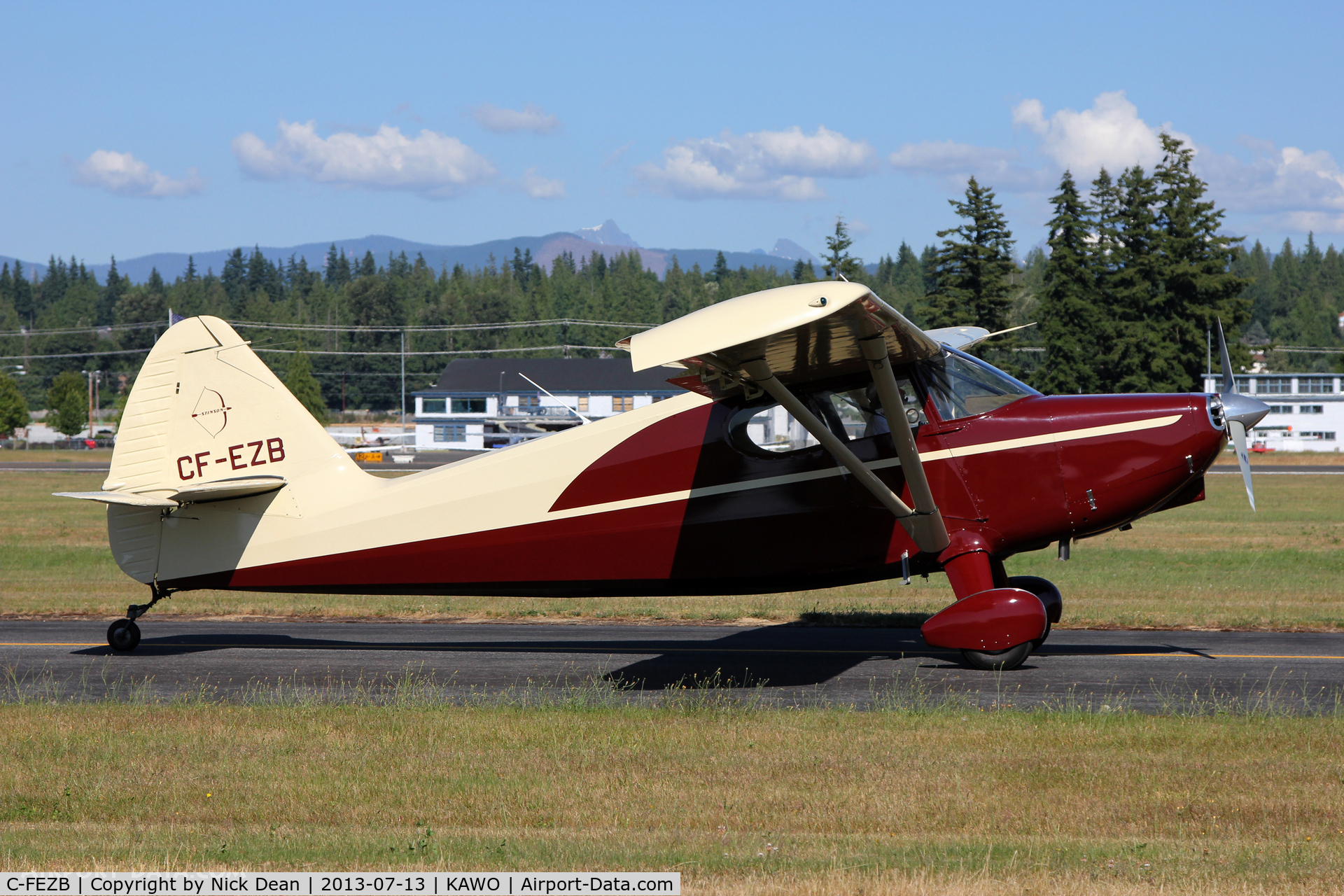 C-FEZB, 1946 Stinson 108-1 Voyager C/N 108-1296, KAWO/AWO 2013 Fly in