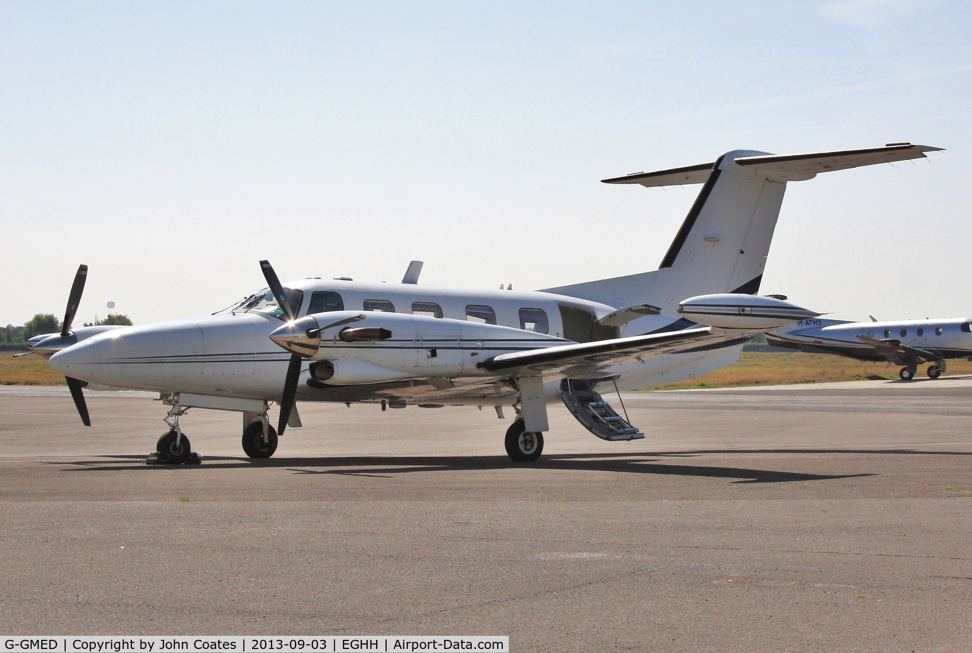 G-GMED, 1990 Piper PA-42-720 Cheyenne III C/N 42-5501050, Visiting Signatures.
