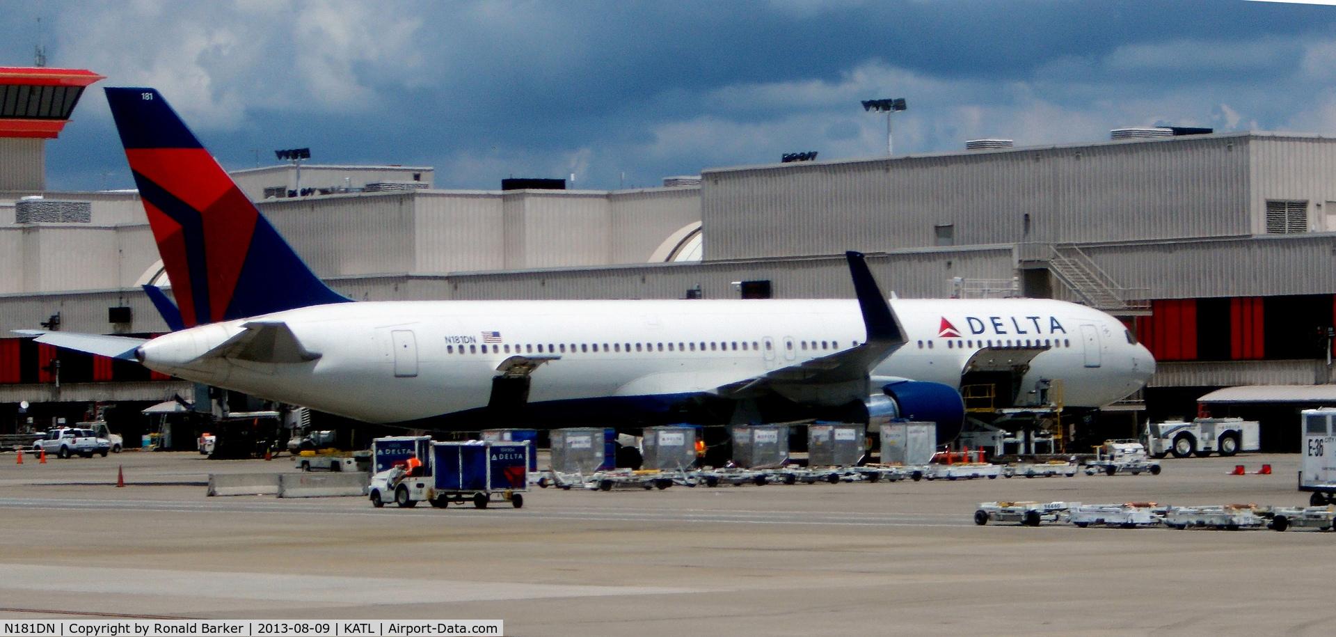 N181DN, 1992 Boeing 767-332 C/N 25986, Atlanta