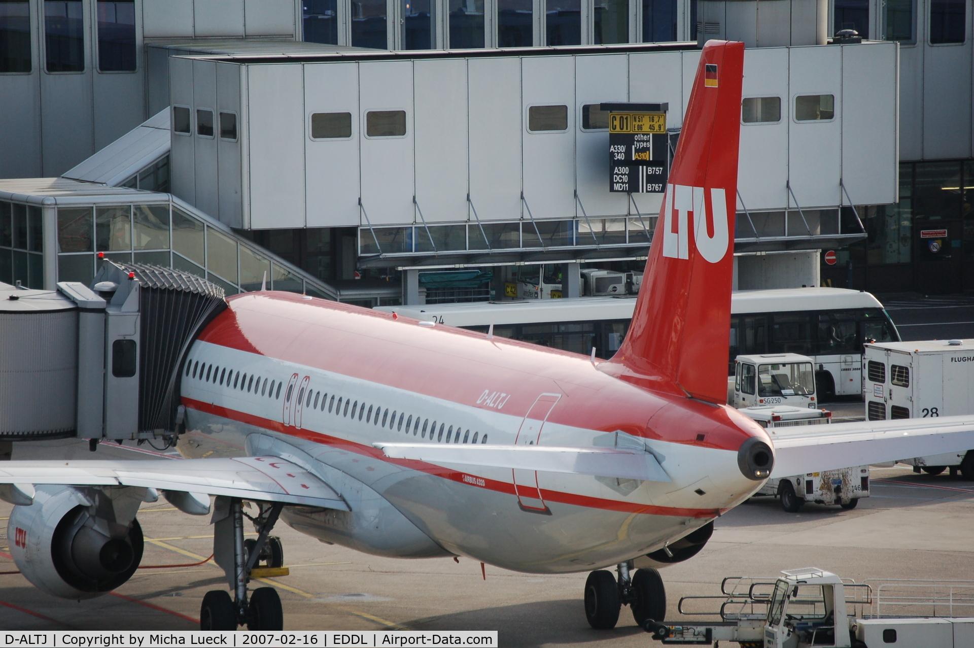 D-ALTJ, 2002 Airbus A320-214 C/N 1838, At Düsseldorf