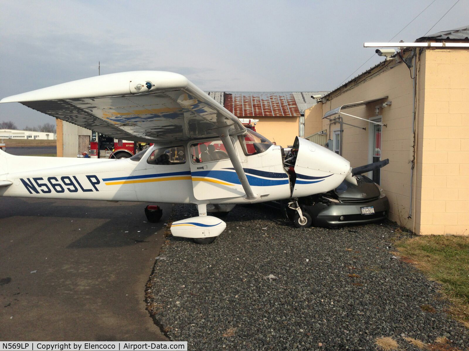 N569LP, 1999 Cessna 172S Skyhawk C/N 172S8248, needs fixing now