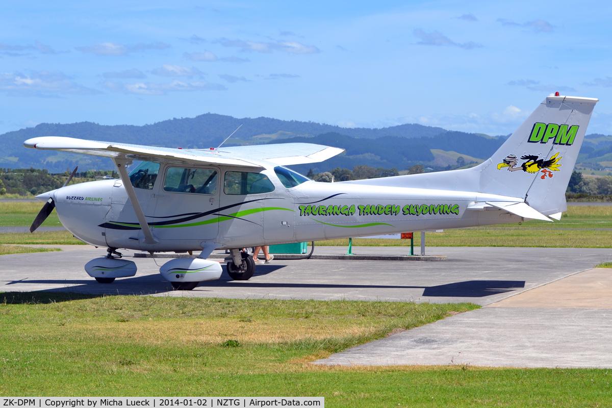 ZK-DPM, Cessna 172M Skyhawk C/N 17263202, At Tauranga