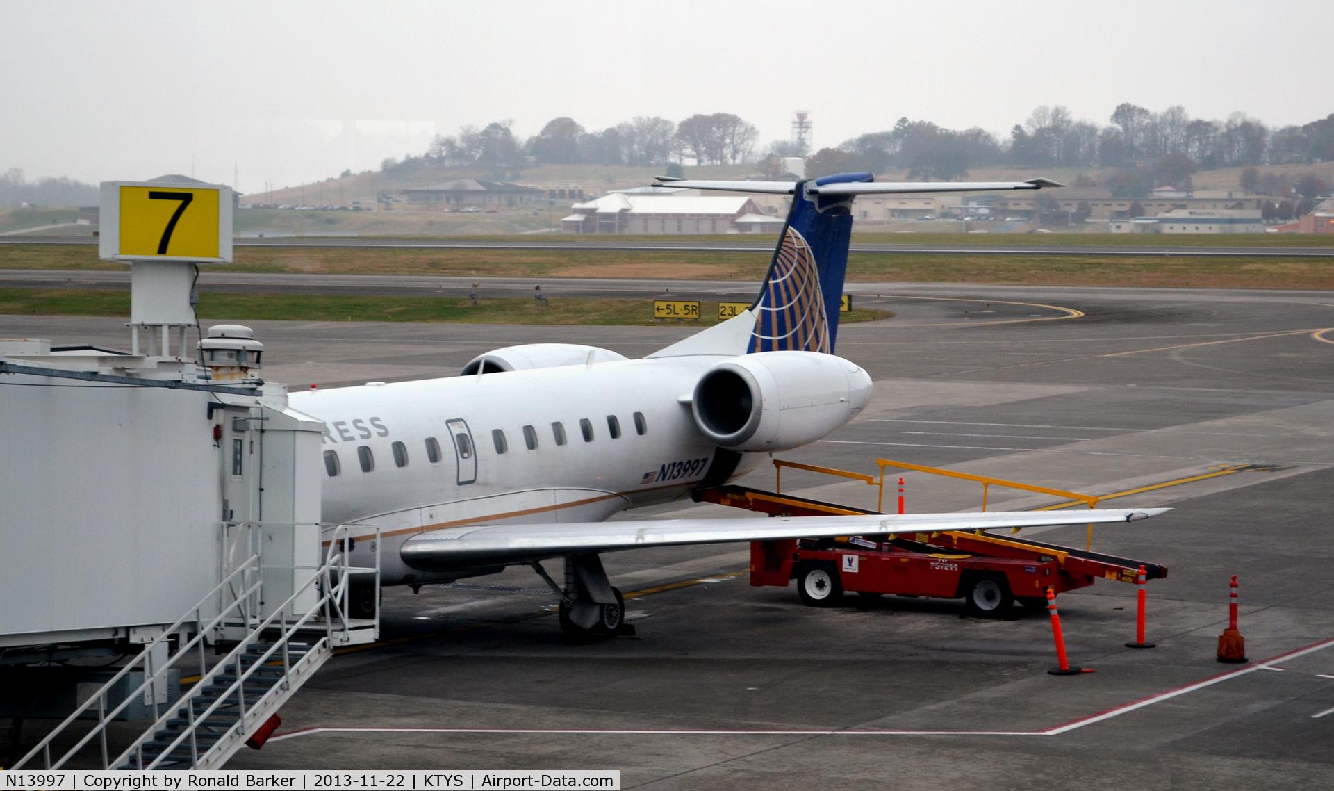 N13997, 2000 Embraer EMB-145LR (ERJ-145LR) C/N 145298, Gate 7 TYS