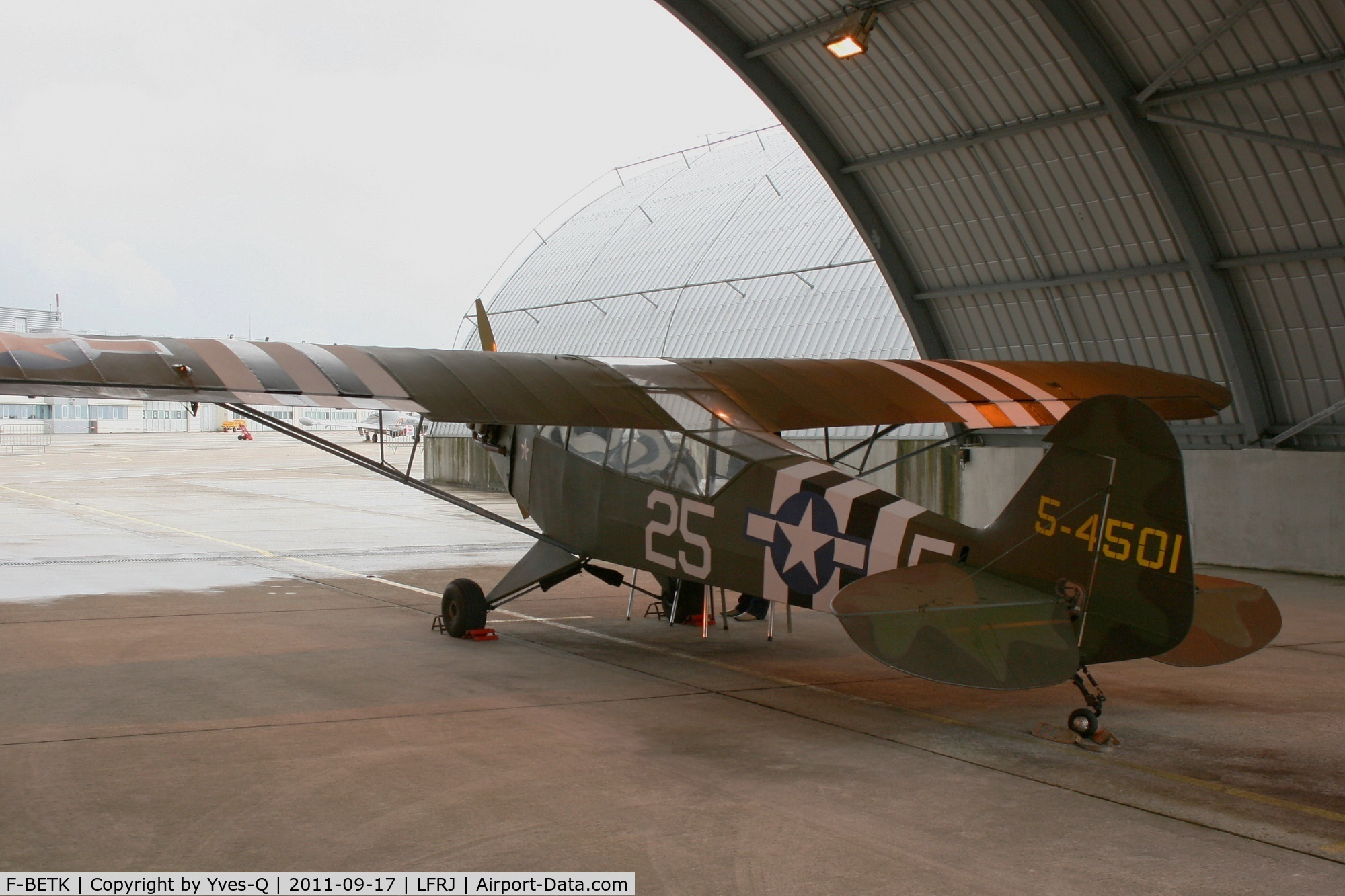 F-BETK, 1945 Piper L-4J Grasshopper (J3C-65D) C/N 13241, Piper J3C-65 Cub, Landivisiau Naval Air Base (LFRJ) Heritage day 2011