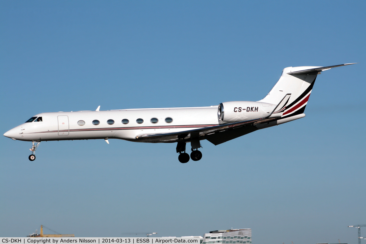 CS-DKH, 2007 Gulfstream Aerospace GV-SP Gulfstream G550 C/N 5150, On final approach for runway 30.