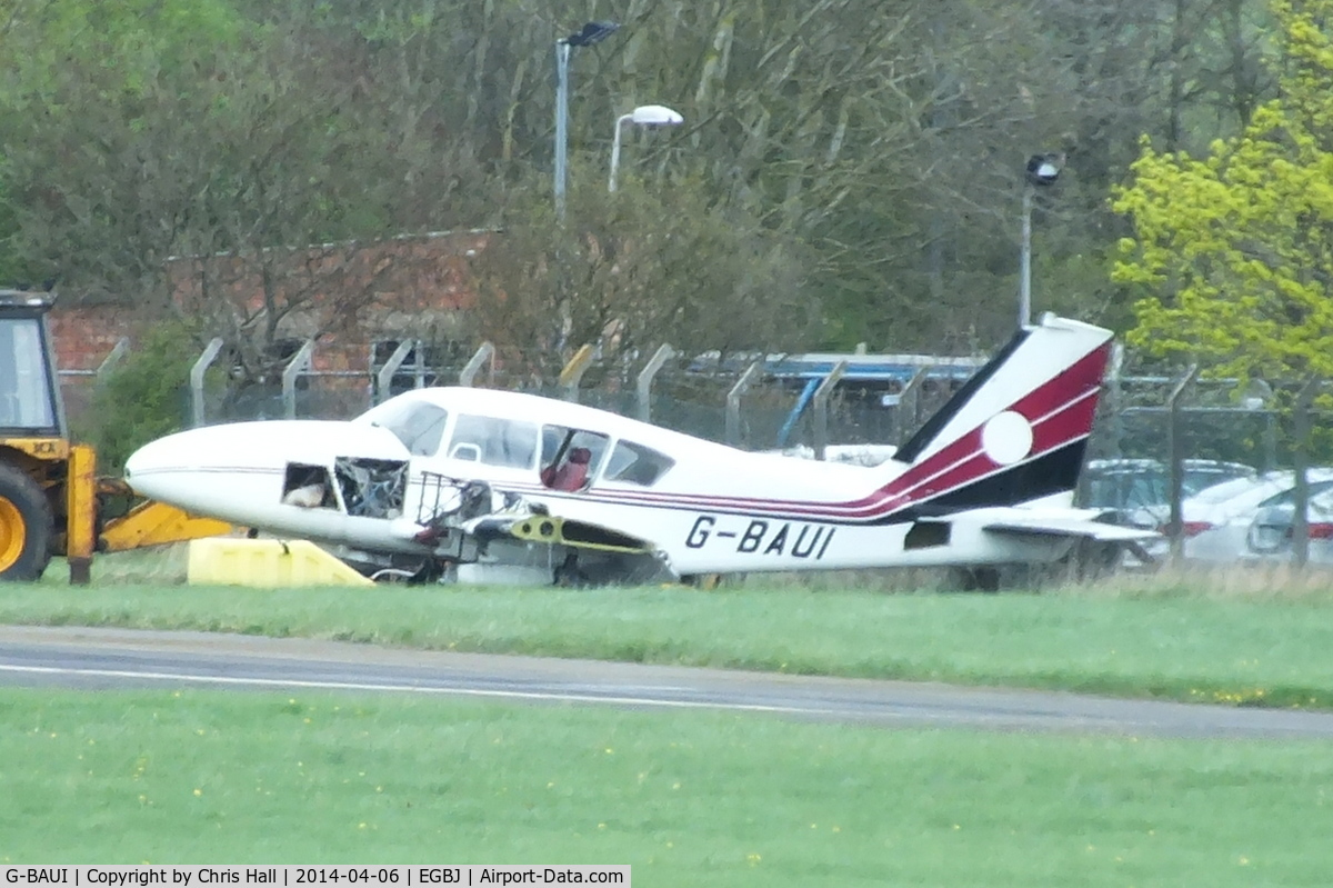 G-BAUI, 1969 Piper PA-23-250 Aztec C/N 27-4335, dumped on the edge of the airfield