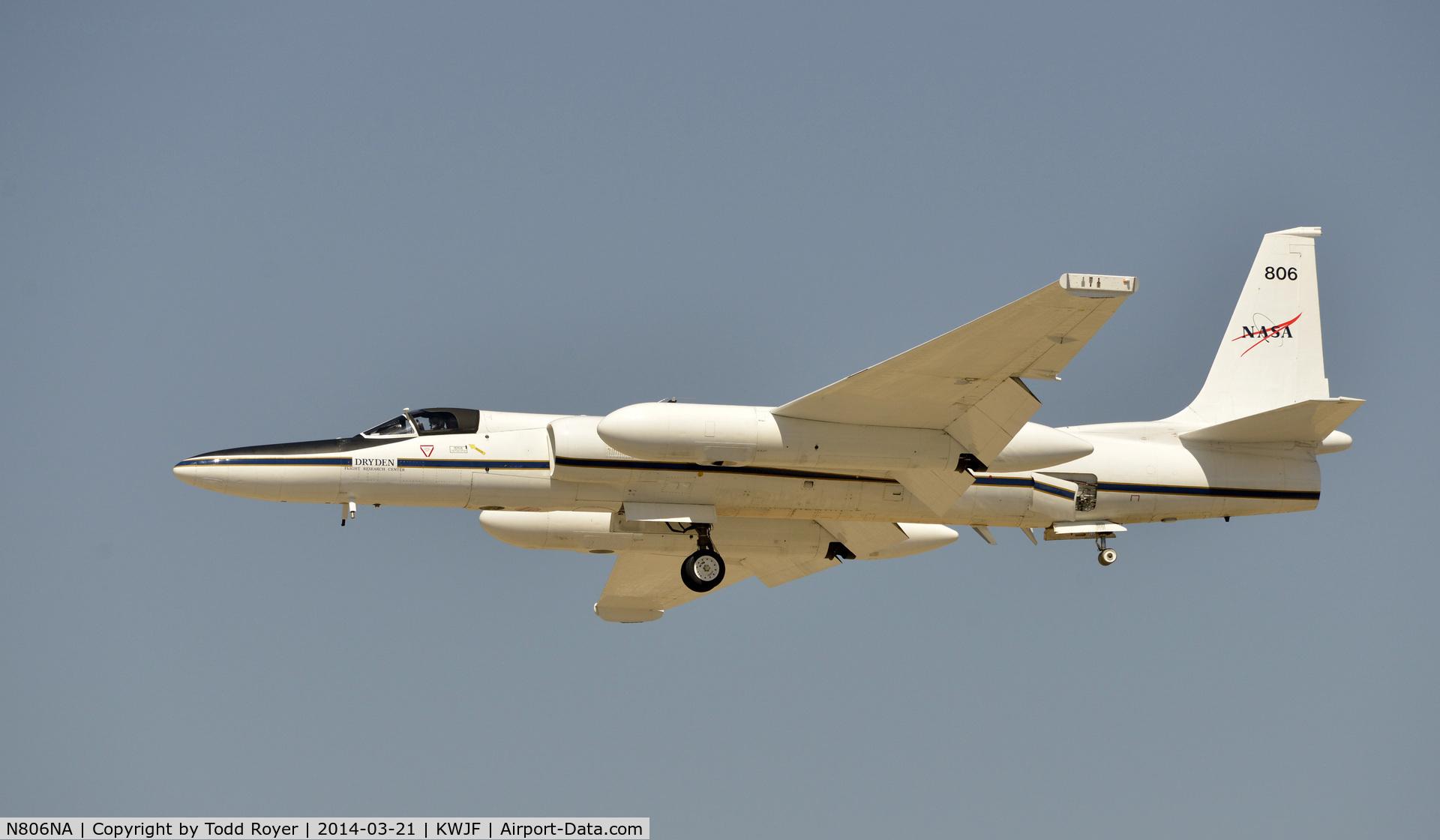 N806NA, Lockheed ER-2 C/N 063, Flying at the Los Angeles County Airshow