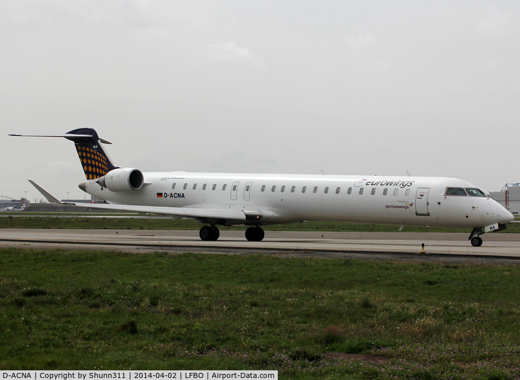 D-ACNA, 2009 Bombardier CRJ-900ER (CL-600-2D24) C/N 15229, Taxiing holding point rwy 14L for departure