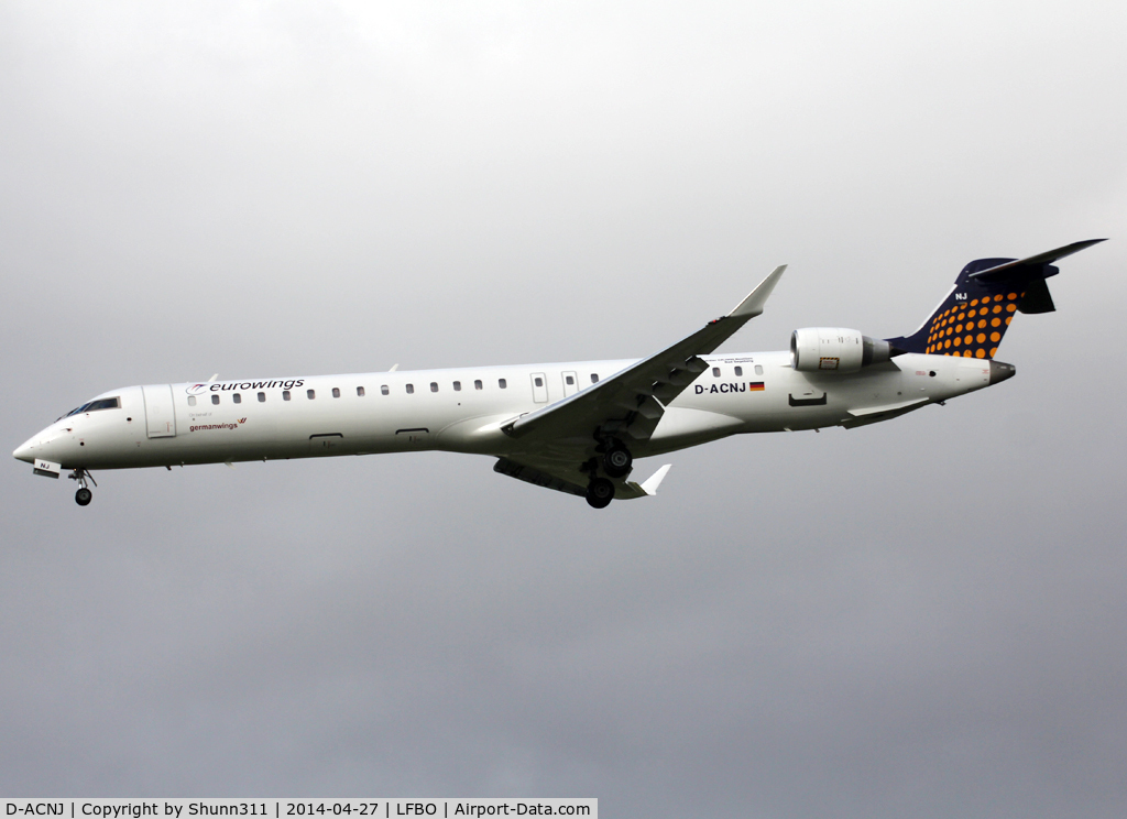 D-ACNJ, 2010 Bombardier CRJ-900 NG (CL-600-2D24) C/N 15249, Landing rwy 32L