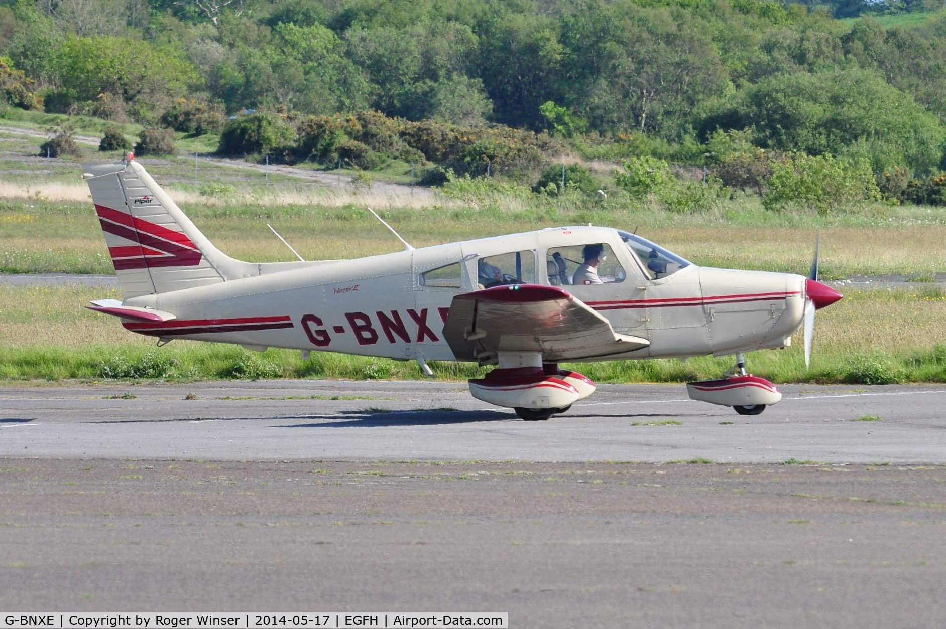 G-BNXE, 1981 Piper PA-28-161 C/N 28-8116034, Visiting Cherokee Warrior II.Previously registered N8262D
