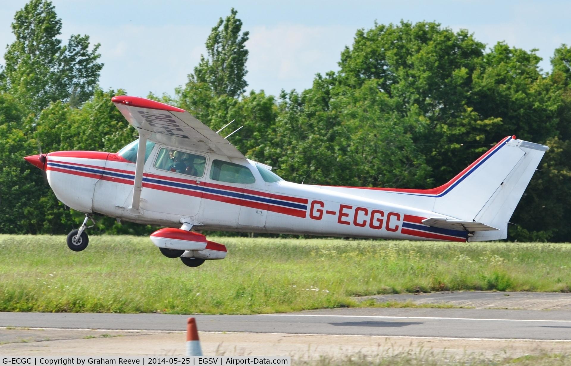 G-ECGC, 1979 Reims F172N Skyhawk C/N 1850, Departing from Old Buckenham.