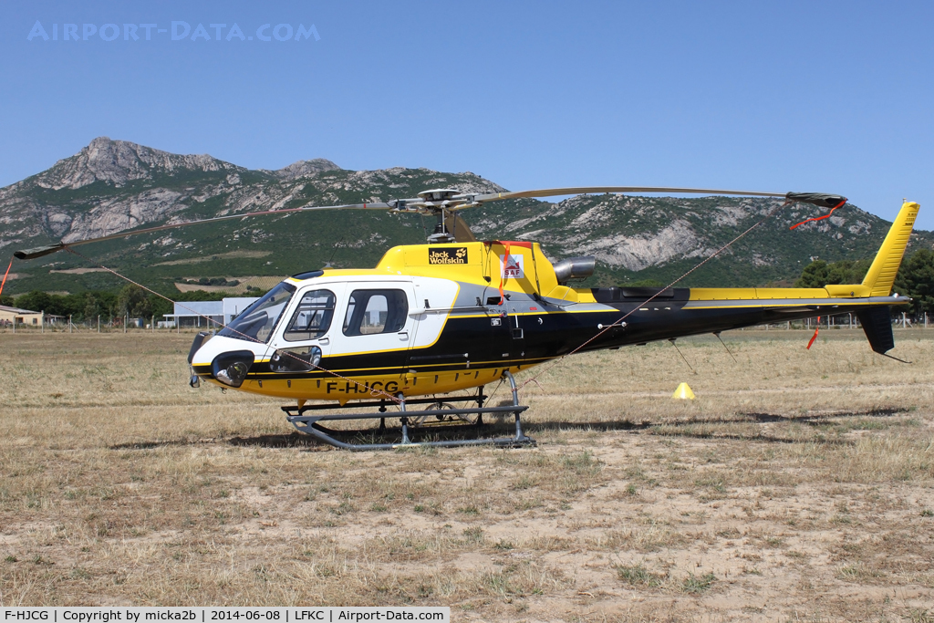 F-HJCG, Eurocopter AS-350B-3 Ecureuil C/N 4950, Parked