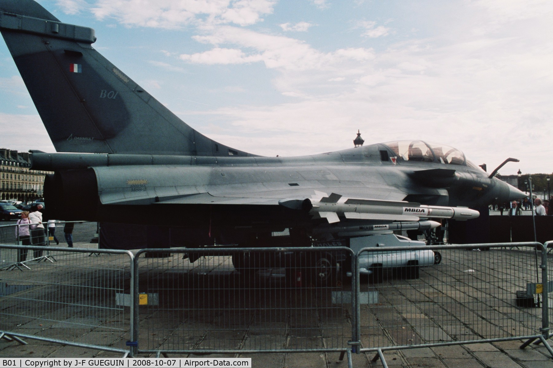 B01, Dassault Rafale B C/N B01, On display at Paris-Champs Elysées for the exhibition