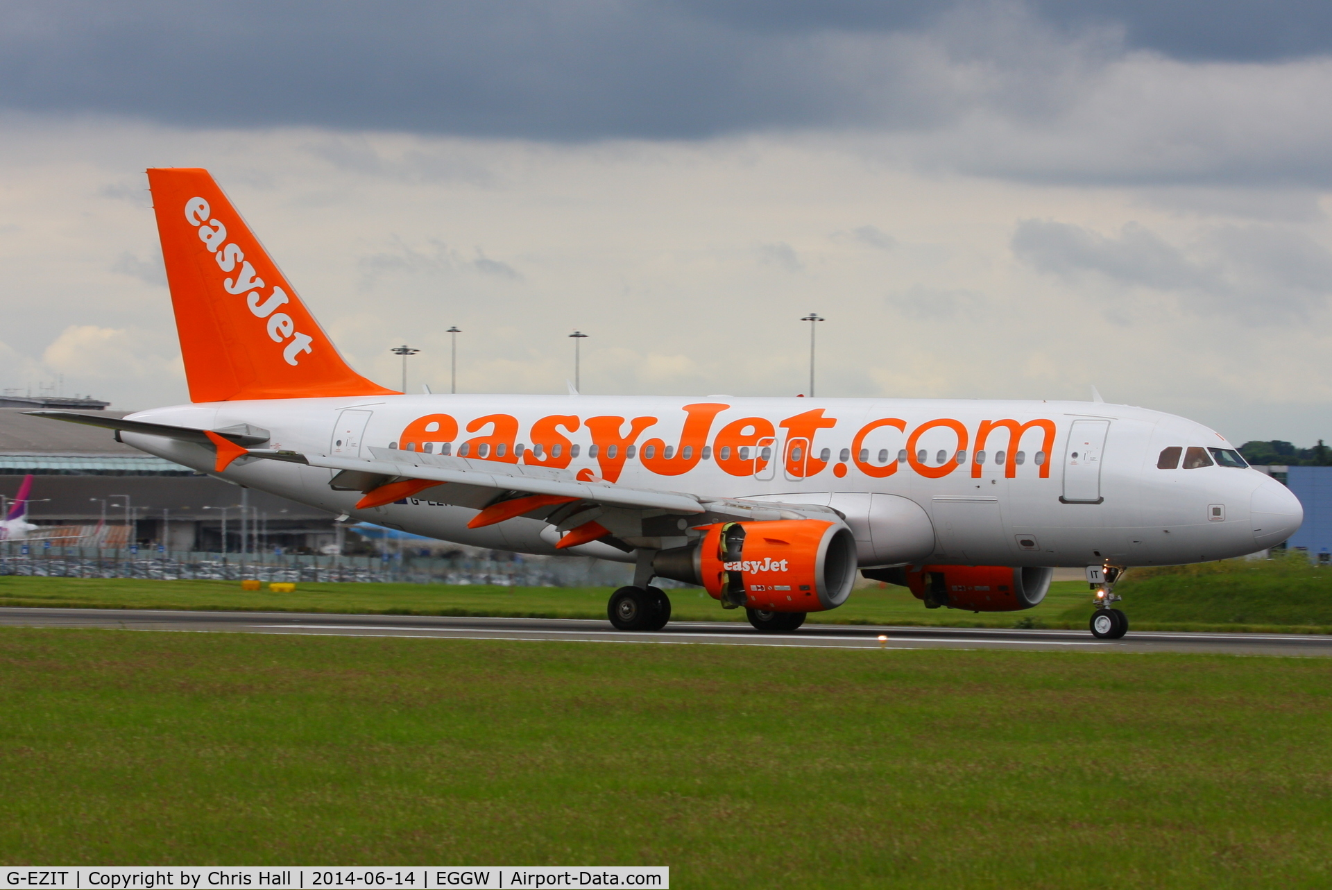 G-EZIT, 2005 Airbus A319-111 C/N 2538, easyJet