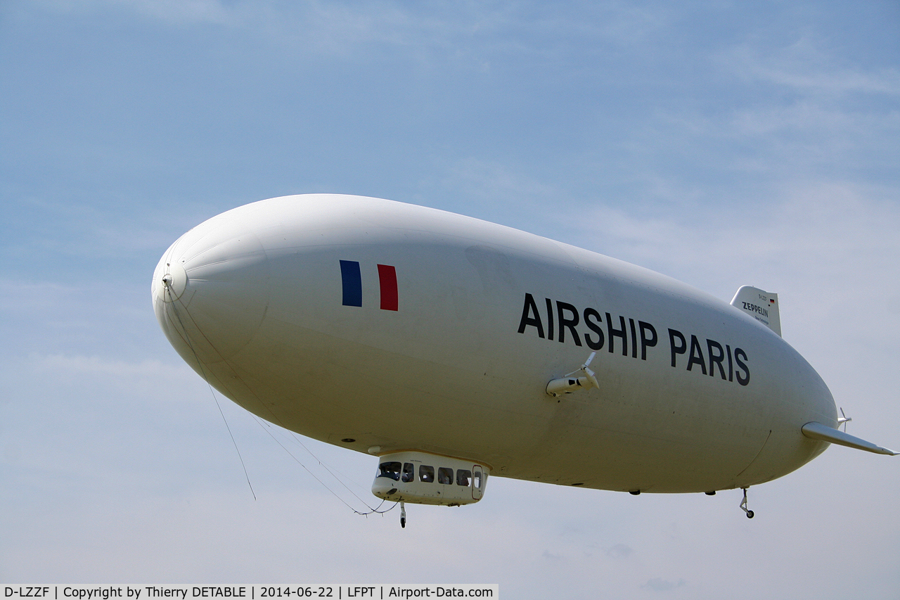 D-LZZF, 1998 Zeppelin LZ-N07 C/N 3, AIRSHIP PARIS 2014 Fly over the North of Paris