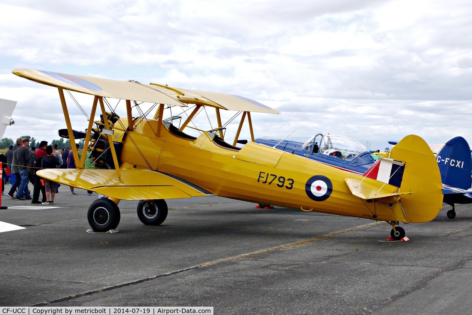 CF-UCC, 1940 Boeing A75N1 C/N 75-8521, Boundary Bay Airshow