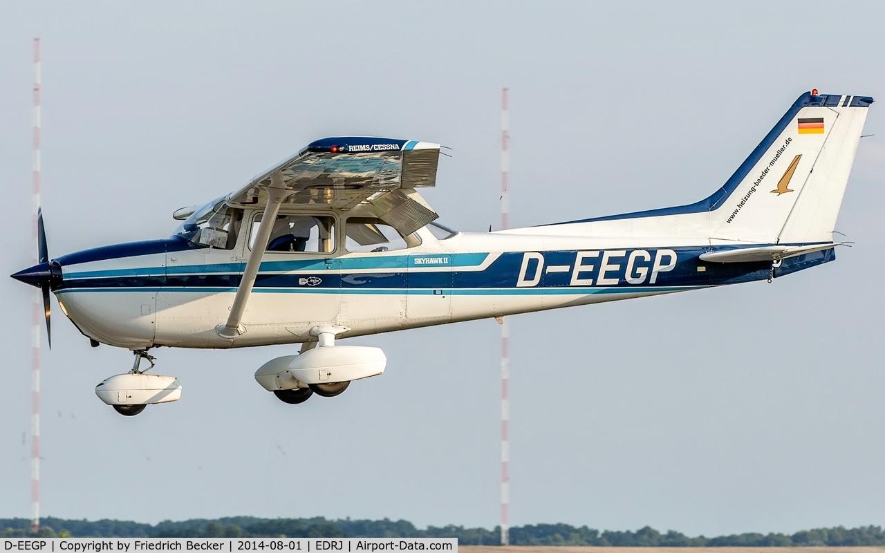 D-EEGP, Reims F172N Skyhawk C/N 1981, on final RW07