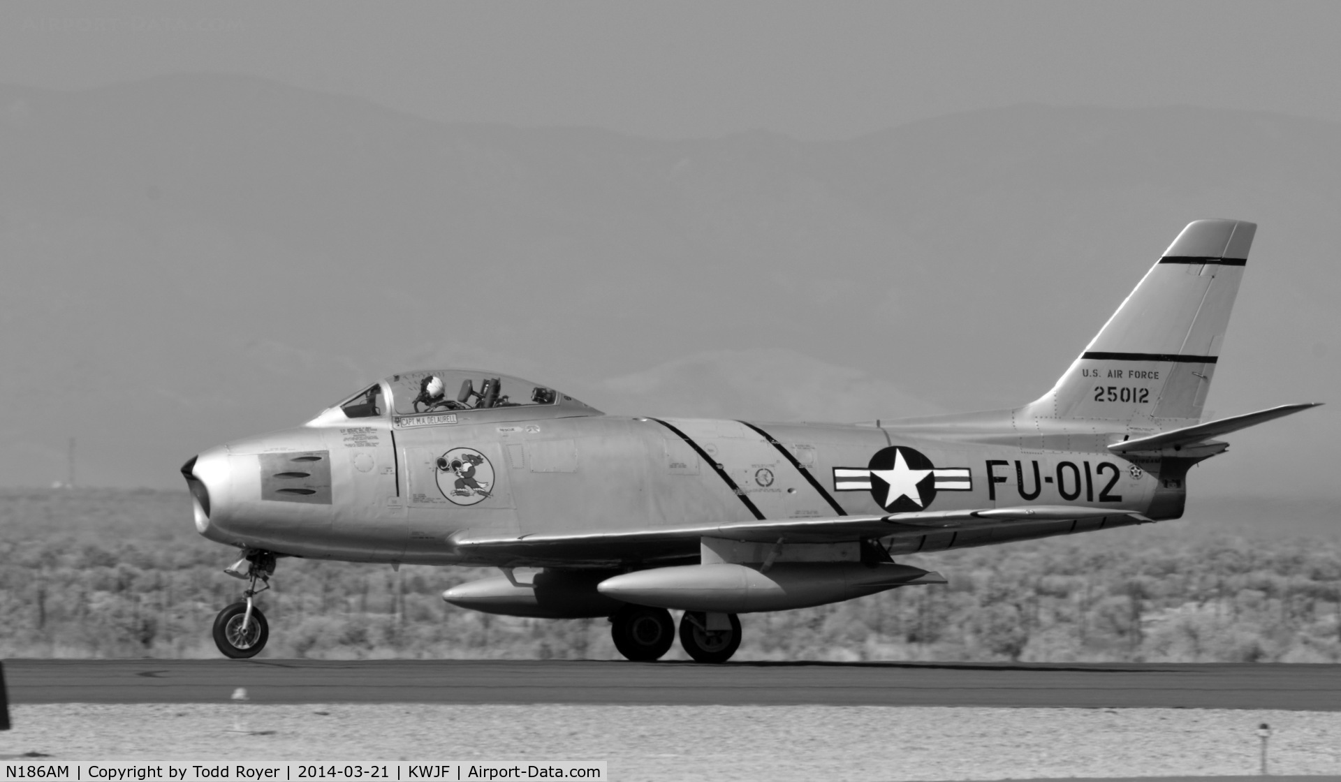 N186AM, 1952 North American F-86F Sabre C/N 191-708, Take off roll