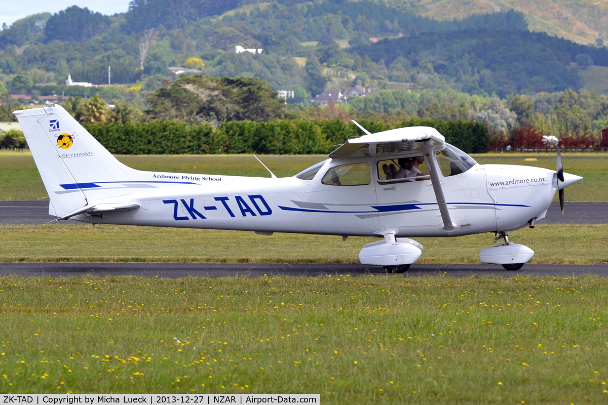 ZK-TAD, 2007 Cessna 172R Skyhawk C/N 17281456, At Ardmore