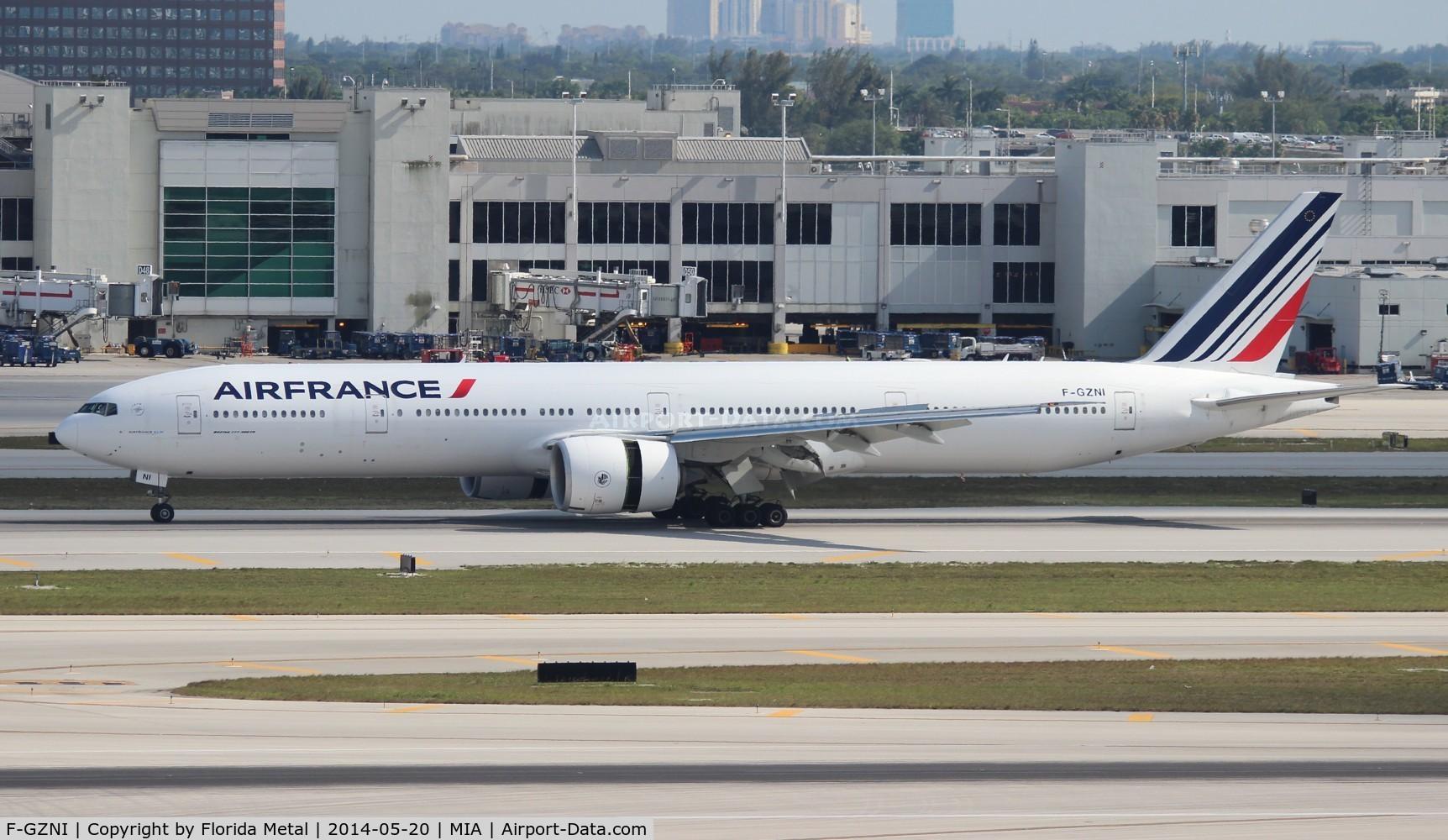F-GZNI, 2011 Boeing 777-328/ER C/N 39973, Air France 777-300