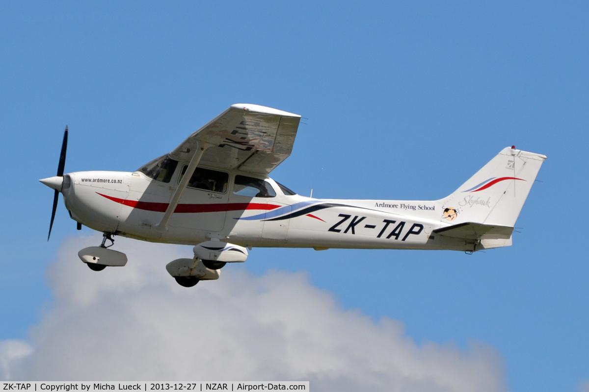 ZK-TAP, Cessna 172R Skyhawk C/N 17280753, At Ardmore
