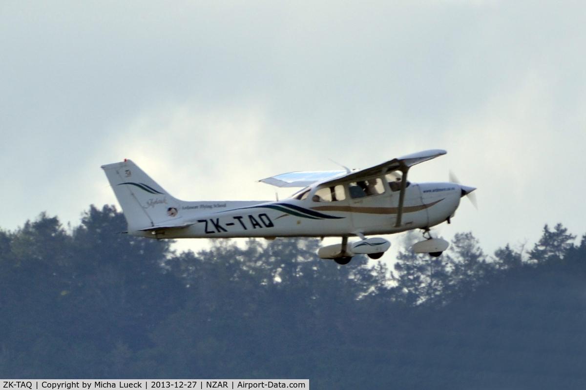 ZK-TAQ, Cessna 172R Skyhawk C/N 17280754, At Ardmore