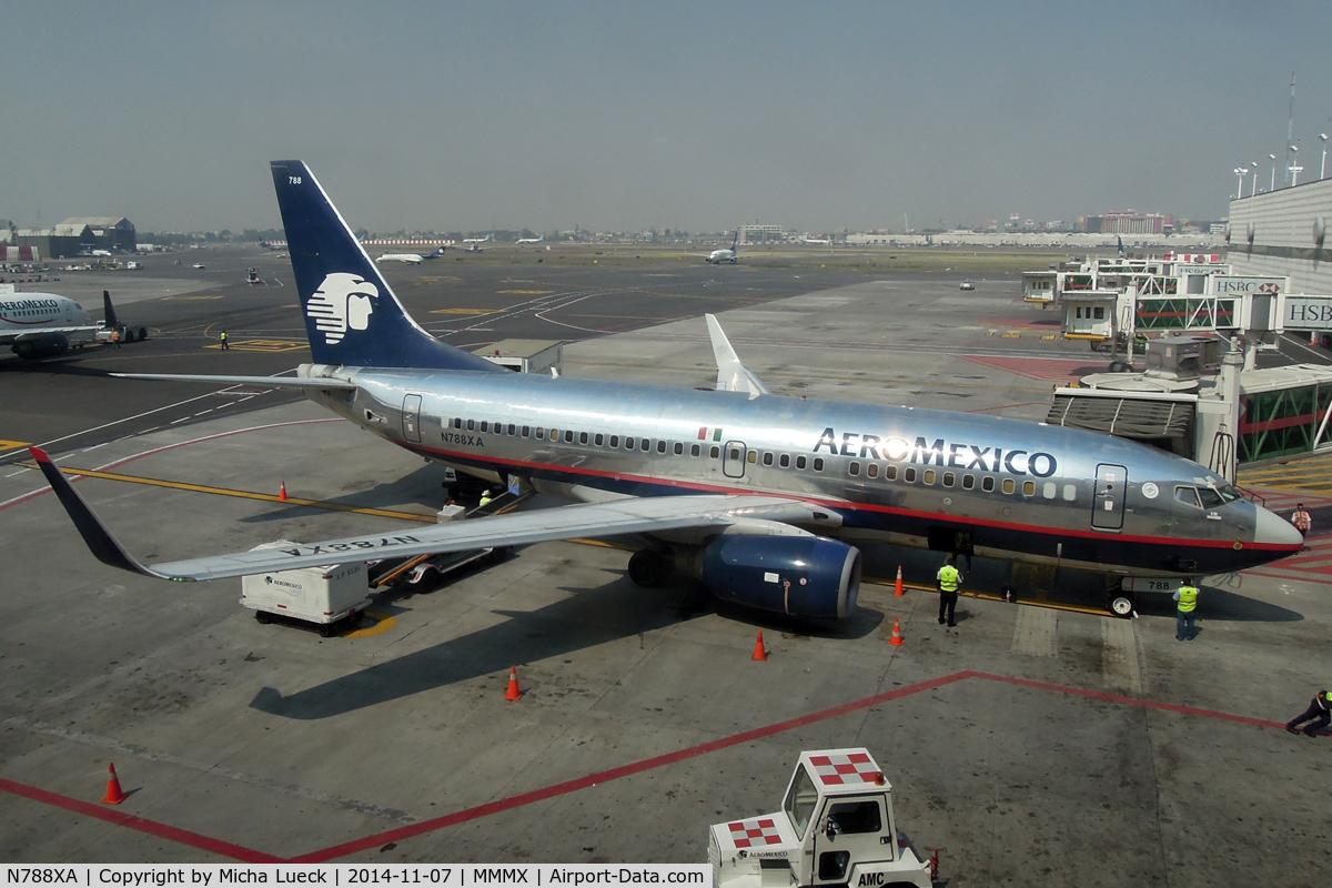 N788XA, 2004 Boeing 737-752 C/N 33788, At Mexico City