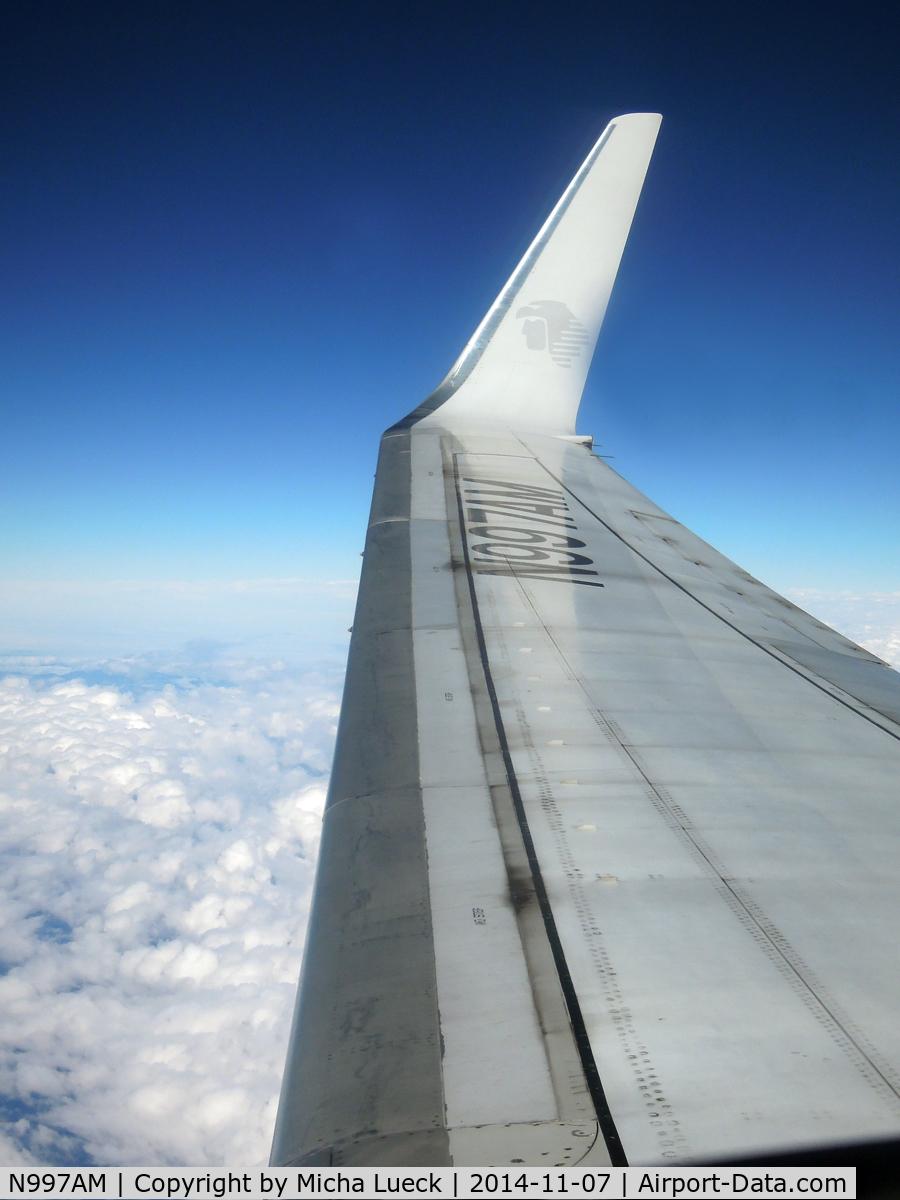 N997AM, Boeing 737-76Q C/N 30283, MEX-LAX