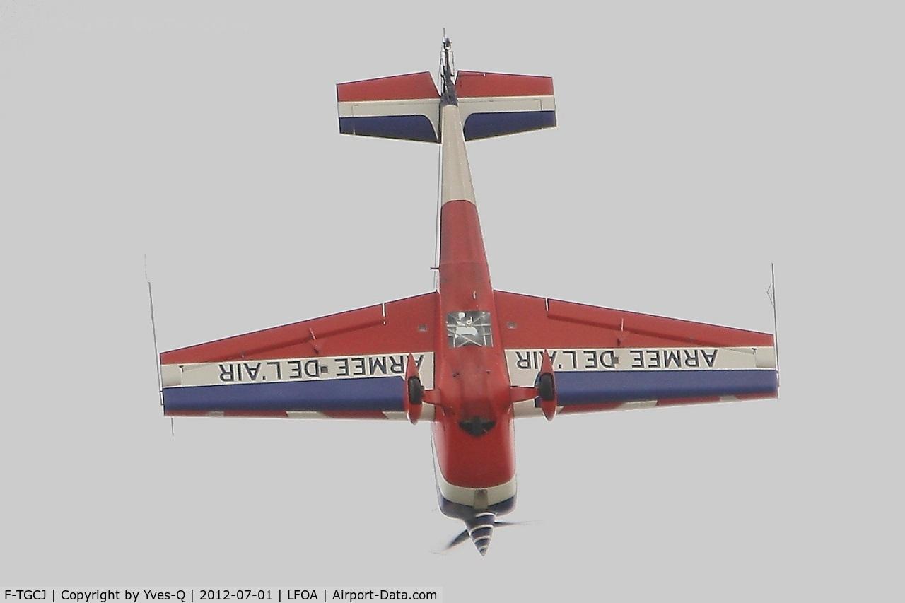 F-TGCJ, Extra EA-330SC C/N 5, Extra EA-330SC, Solo display, Avord Air Base 702 (LFOA)  Open day 2012
