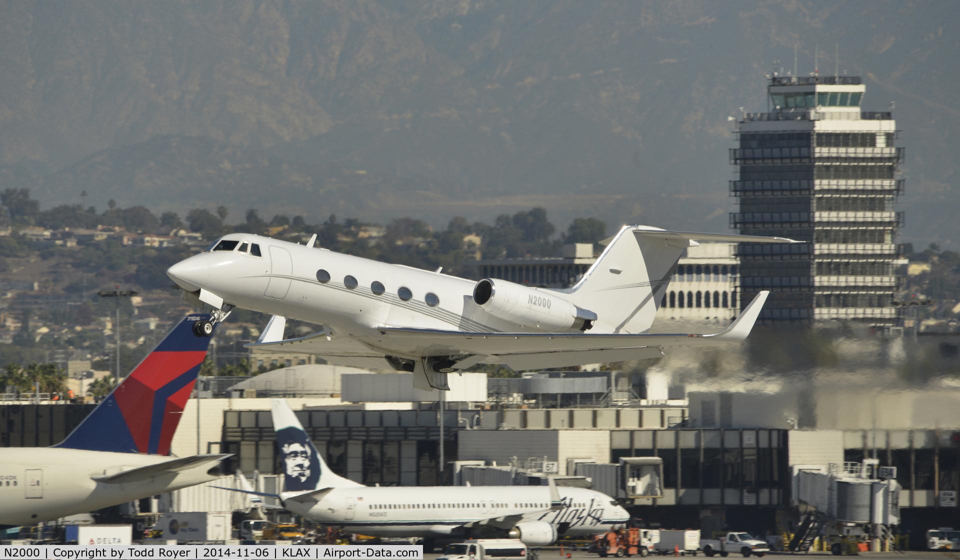 N2000, 1969 Grumman G-1159 C/N 56, Departing LAX on 25L