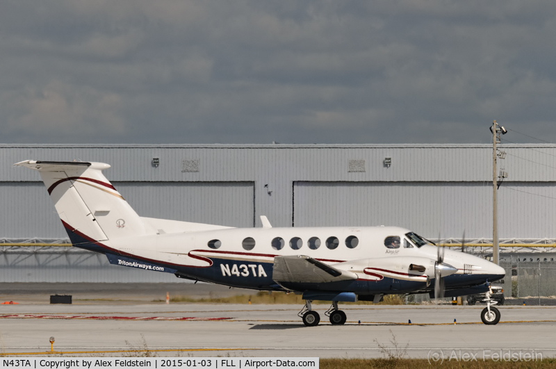 N43TA, 1992 Beech B200 King Air C/N BB-1432, Ft. Lauderdale